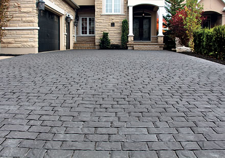 Image of an interlocking stone driveway