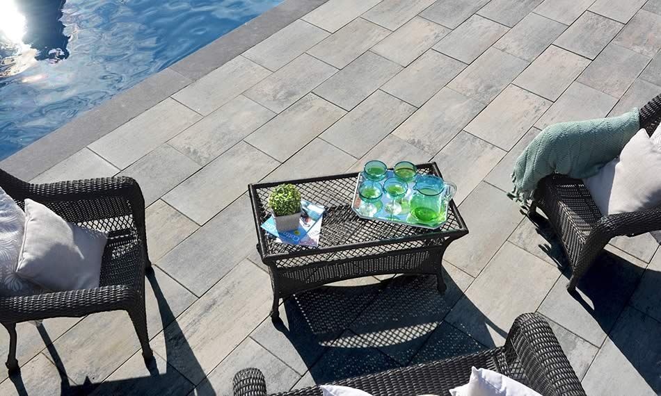 Image of poolside featuring Avari (Glacier Creek) product
