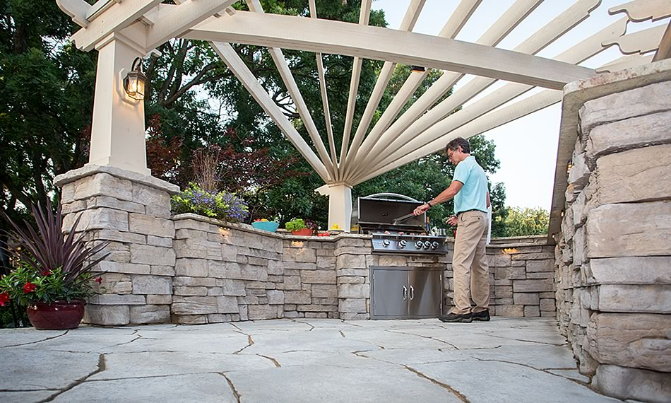 Image of an outdoor kitchen featuring Belvedere product
