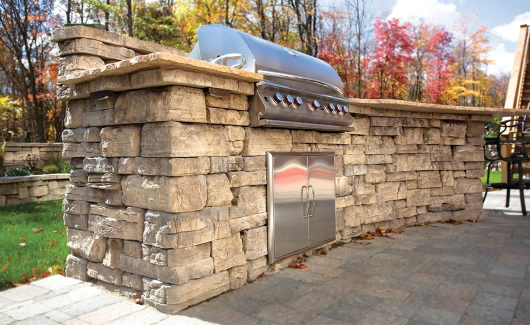 Image of an outdoor kitchen featuring Belvedere (Windsor Blend) product