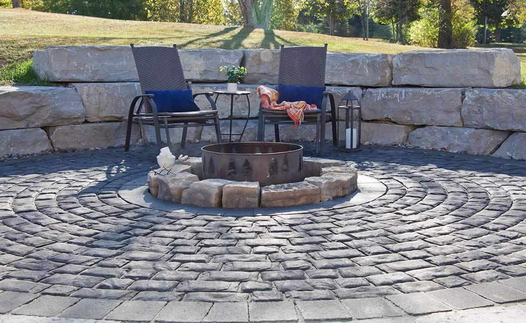 Image of a fire pit featuring Corso (Ultra Black) product