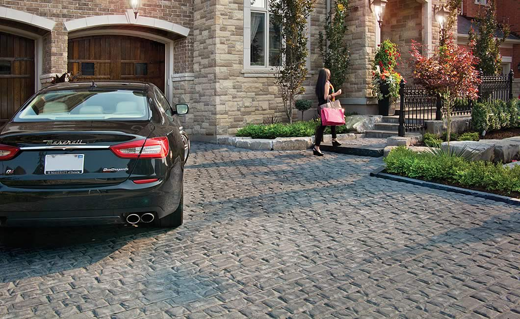 Image of a stone driveway featuring Corso (Grey Mix) product