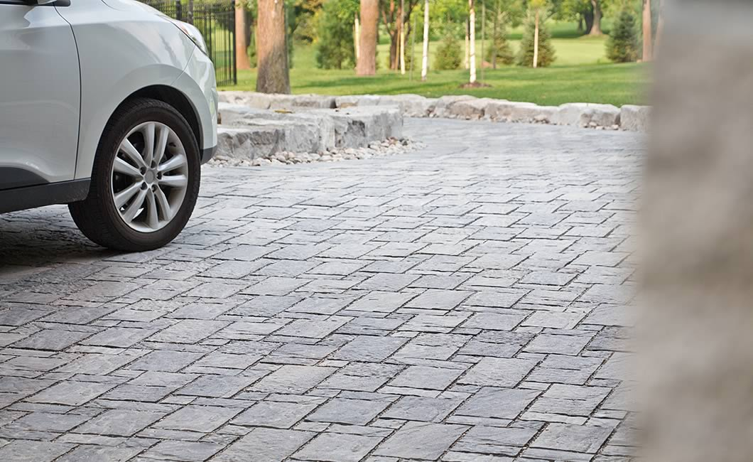 Image of a stone driveway featuring Moderna (Grey Mix) product