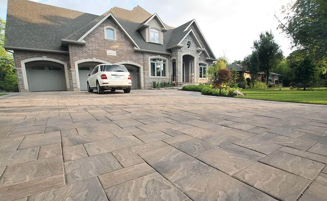 Image of a stone driveway featuring Trevista 80 Textured (Kashmir Blend) product