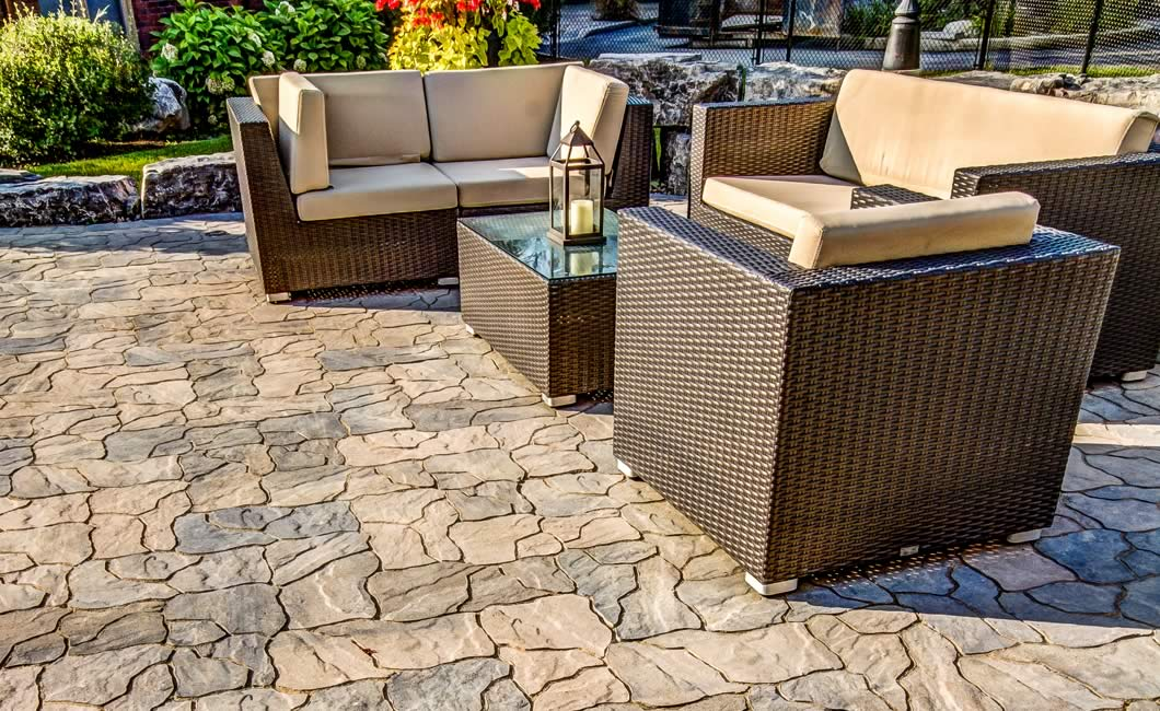 Image of a stone patio featuring Ardesia (Beige Mix) product
