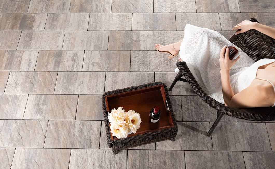 Image of a stone patio featuring Tresca (Glacier Creek) product
