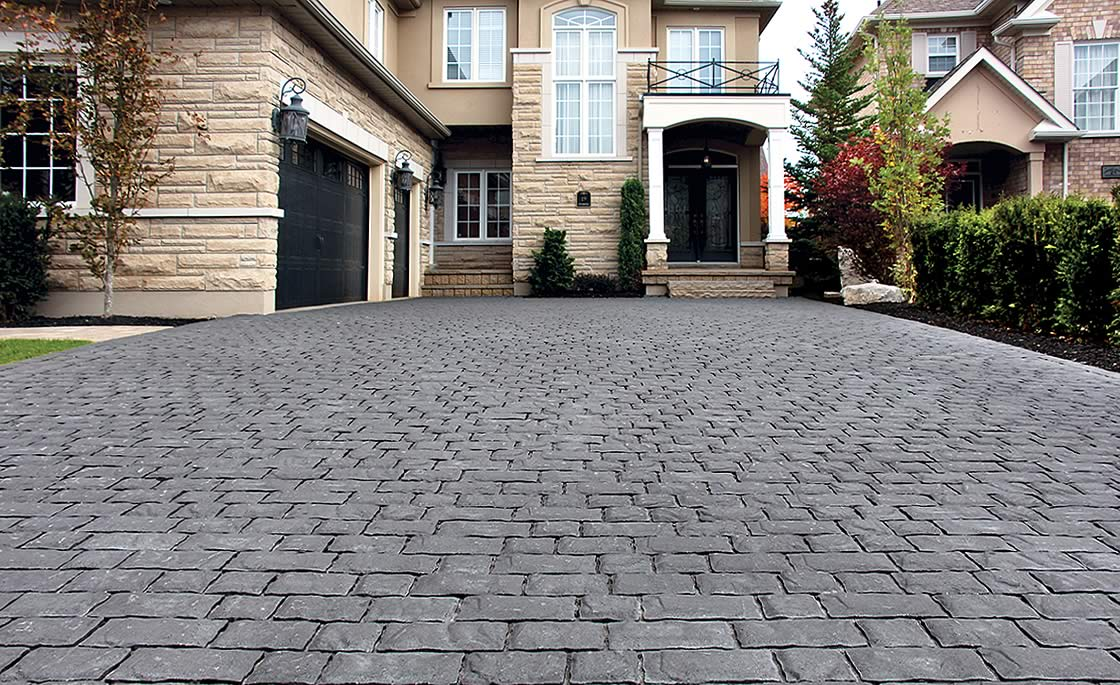 Image of a stone driveway featuring Corso (Ultra Black) product