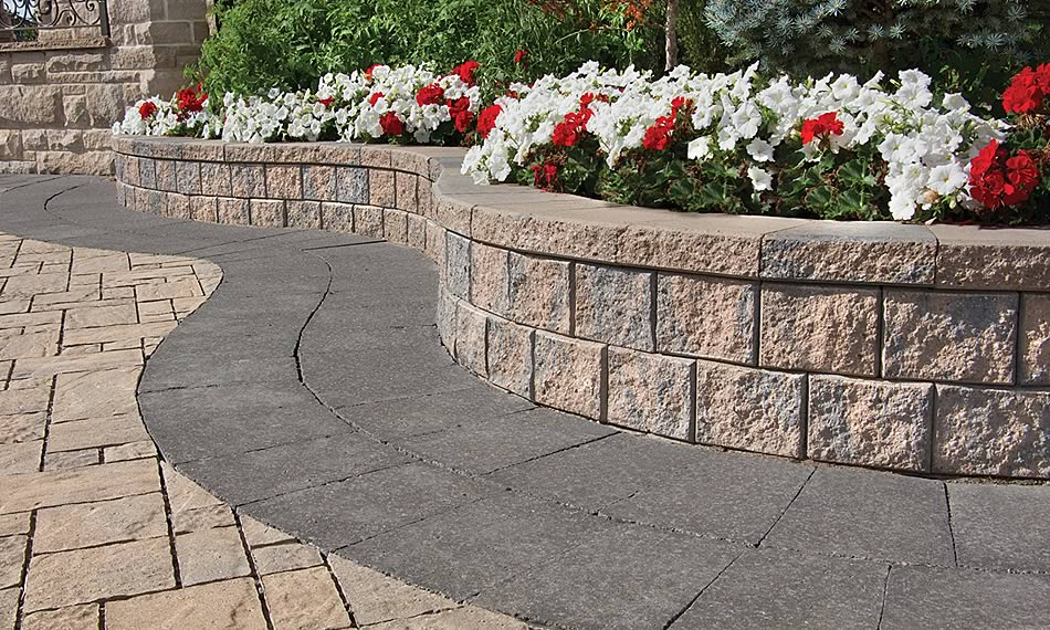 Image of a wall and garden featuring Parkwall product