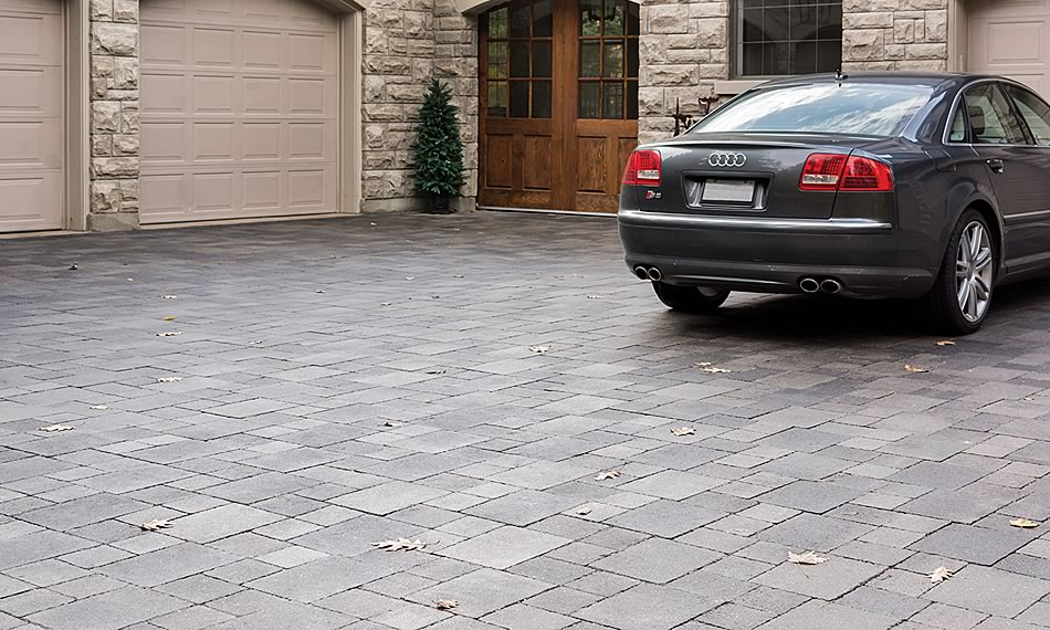 Image of a driveway featuring Strada Nova product