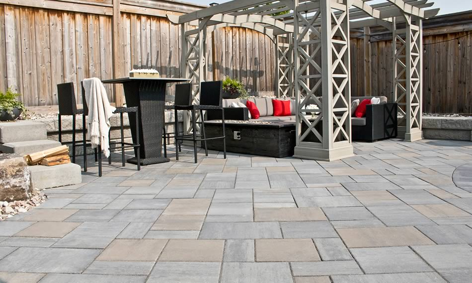 Image of a stone patio featuring Trevista Smooth (Glacier Creek) product